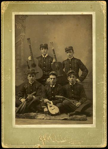 guitars musicalinstruments mandolins musicalgroups musicclubs