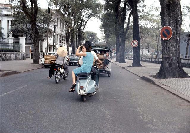 Saigon Street 1966-67 - Photo by Rick Parker - Đường Công Lý