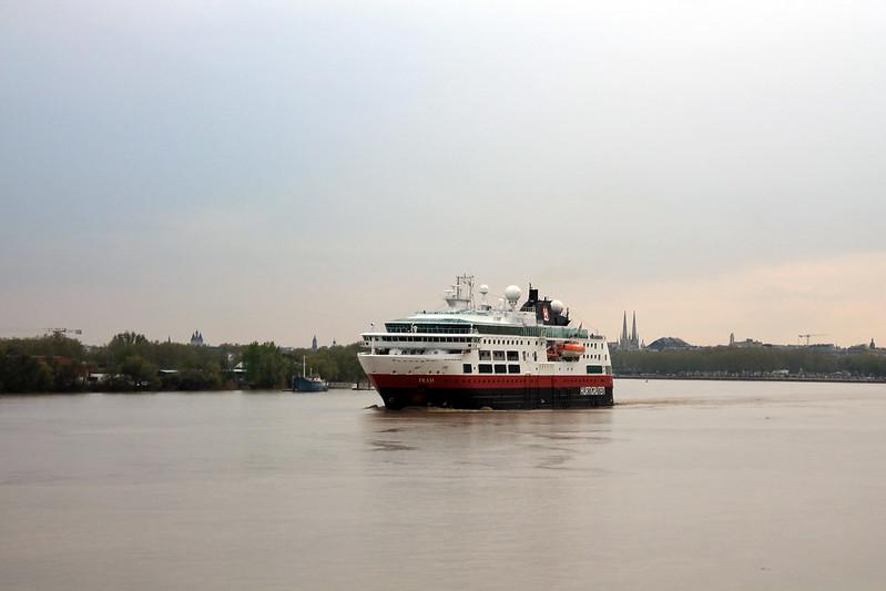 Départ du ms Fram - Bordeaux - 05 avril 2012