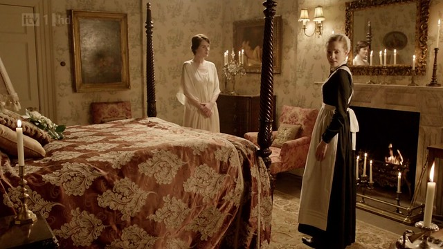 DowntonAbbeyS02E08_AnnaBates_marriagebed