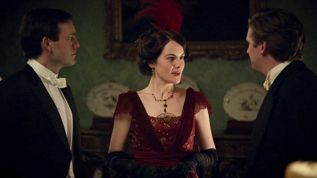 DowntonAbbeyS01_Mary_reddress