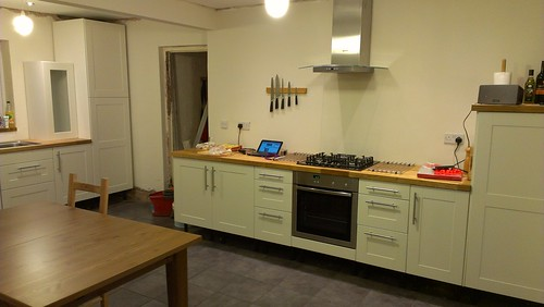 Anyone here have a kitchen without above worktop units for Kitchen without wall units