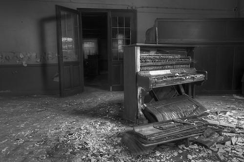 'Broken melody' (EXPLORED)