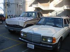 automobile, automotive exterior, vehicle, mercedes-benz w126, mercedes-benz w123, mercedes-benz, compact car, antique car, classic car, land vehicle, luxury vehicle,