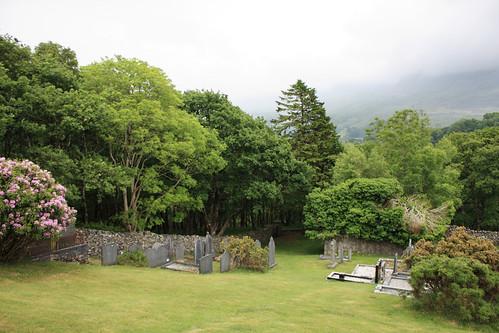 Graveyard, Islaw'rdref