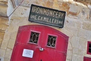 Qué ver en La Valeta: Vieja Ferretería ironmongery E. Camilleri