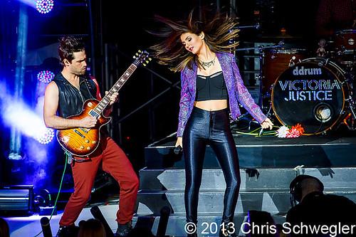 Victoria Justice - 08-03-13 - Summer Break Tour, DTE Energy Music Theatre, Clarkston, MI