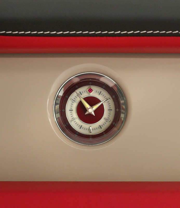 Rolls Royce Phantom Coupe Ruby Edition - Clock