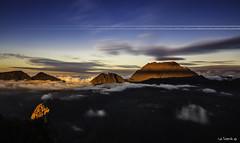 Couché de soleil sur le Piton des neiges - Ile de la Réunion.