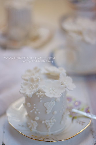 White Wedding Cake-4