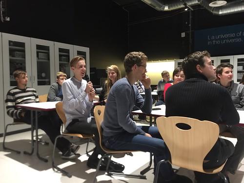 RTU Inženierzinātņu vidusskolas skolēni iepazīst CERN