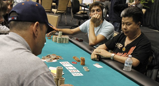 1900 Jimmy Tran Doubles Thru Bill Brown