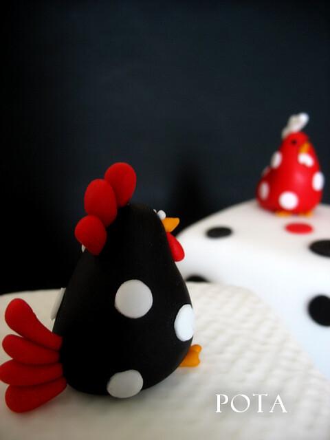 gâteau de Pâques, poule, poulette, poussins