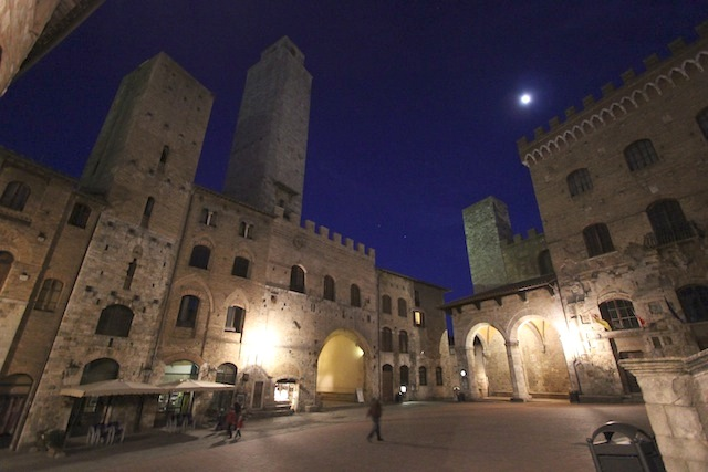 San Gimignano by night2
