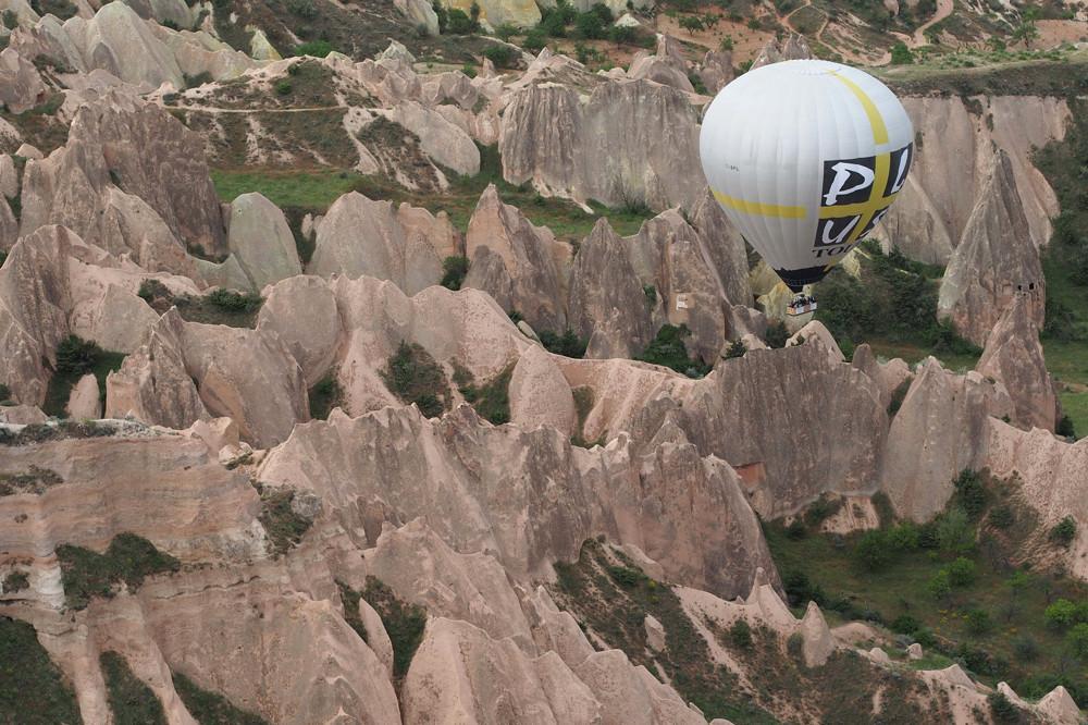 Cappadocia - hot air balloon over Kiliçlar