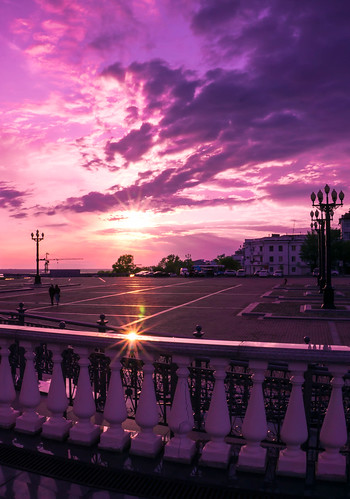 street sunset sky nature skyline clouds sunrise square landscape dawn streetlight purple streetlamp horizon lensflare flare rays railing twilights