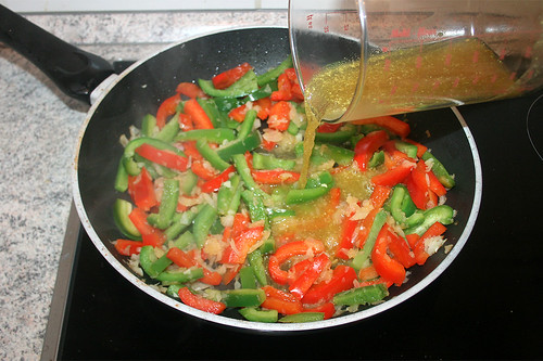 20 - Gemüsebrühe aufgießen / Drain vegetable broth