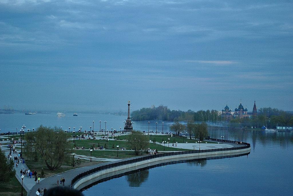 El lugar donde confluye el río Kotorosl con el Volga. Óblast de Yaroslavl. Autora, Tjukka2