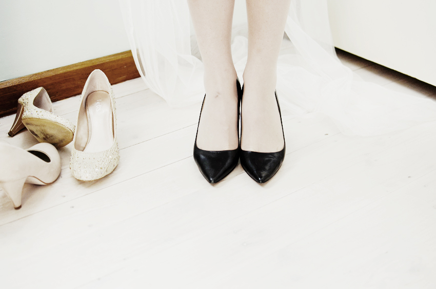 black pointy shoes c