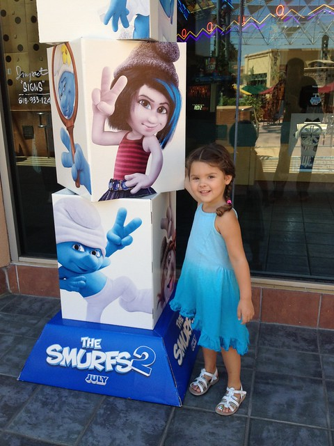 Annie At The Movies: Smurfs 2