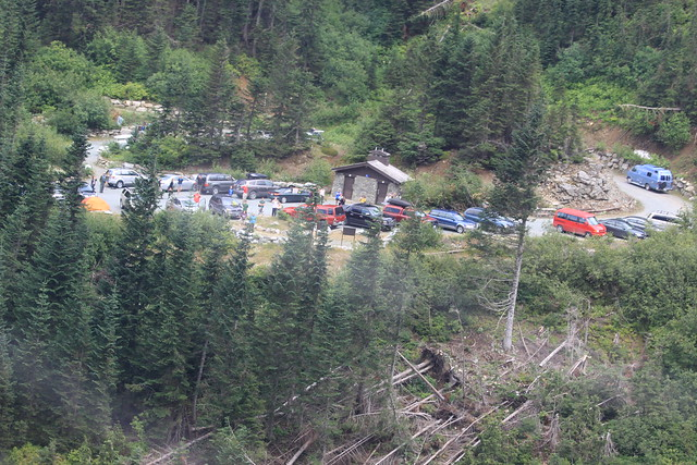 Stranded visitors at Cascade Pass Trailhead during work on temporary crossing