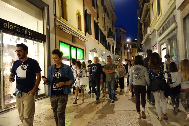 Why_Verona_is_a_Perfect_Place_for_Shoppers_4