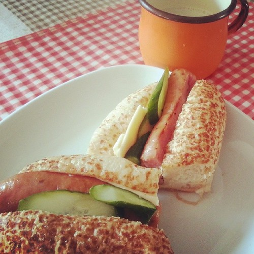 今早吃熱狗堡
