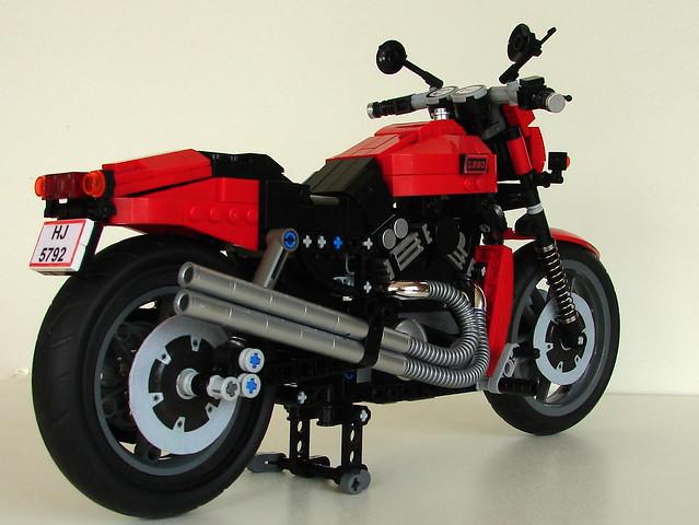 LEGO V-ROD (9)