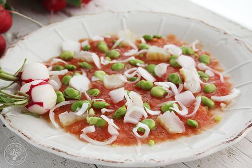 Ensalada-de-habas-tiernas,-tomate,-bacalao-y-rabanitos-(10)