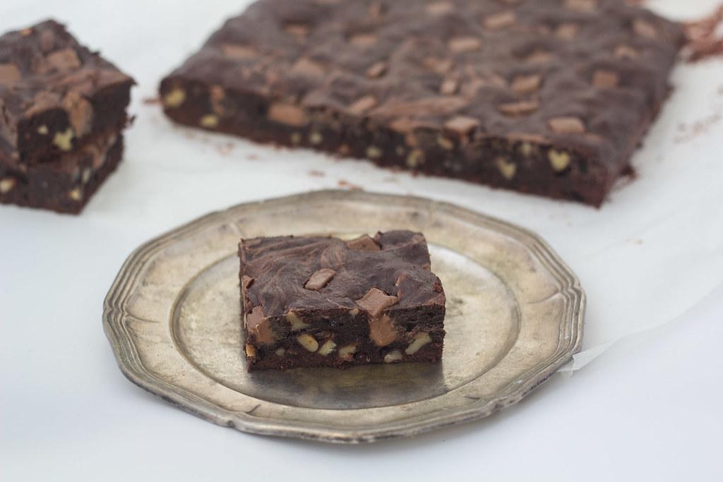 brownie med nougat og valnødder