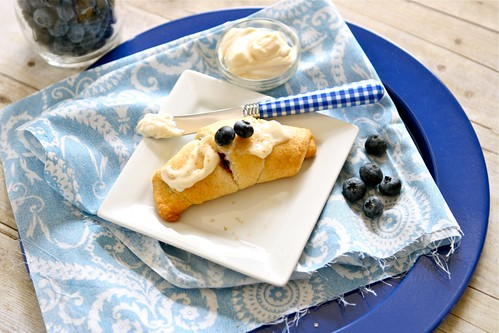 Blueberry Cream Cheese Crescent Rolls 002