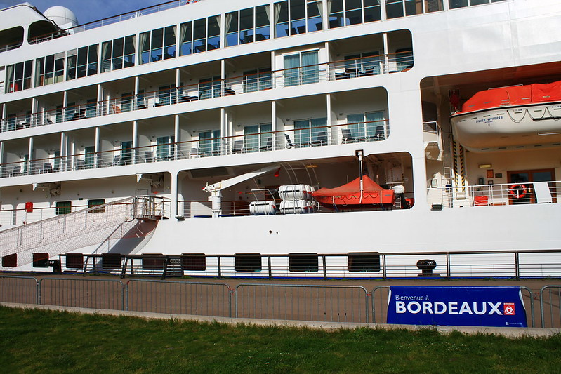 Bienvenue à Bordeaux - Paquebot Silver Whisper dans le Port de la Lune, Bordeaux - 10 mai 2012