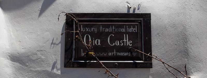 Oia Castle [EOS 5DMK2 | EF 24-105L@29mm | 1/2000s | f/6.3 | ISO200]