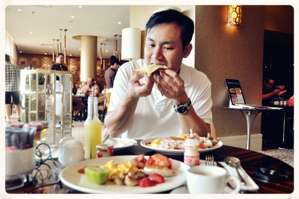 Rydges Southbank: Buffet Breakfast at Bacchus Bar and Restaurant