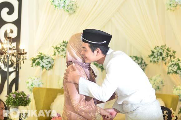 8922520283 0224e6545d o Gambar Perkahwinan Izzue Islam dan Awin Nurin