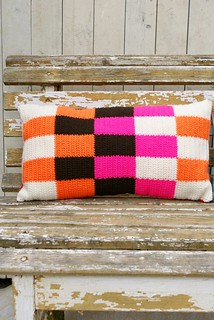 wood & wool pillow