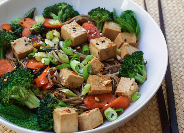 Soba Noodles with Tofu, Broccoli & Carrots