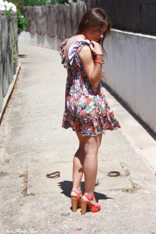 VANE FLOWERS 7 7