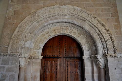 San Pedro de Gaíllos (Segovia). Iglesia de San Pedro. Portada. Detalle