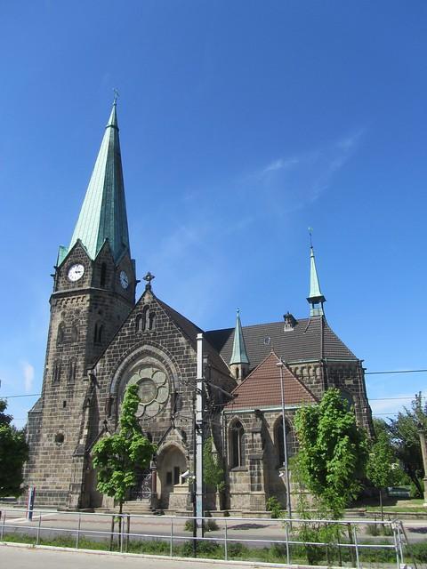Die monumentale Lutherkirche in Dortmund Asseln. Gegenüber vom Penny, you know.