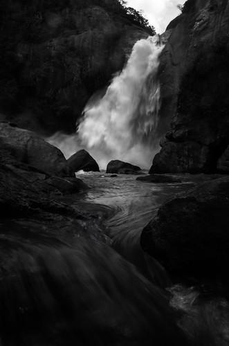 waterfall dunhinda