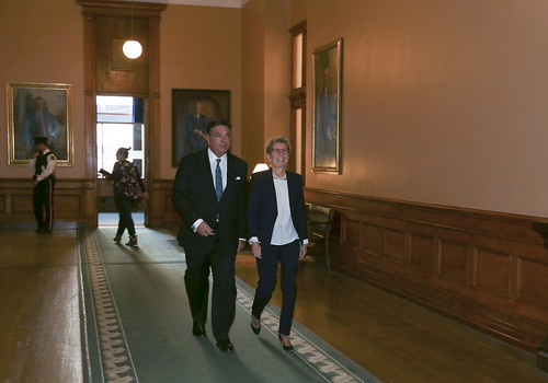 038A3755  Premier Kathleen Wynne and Minister Charles Sousa enter the Legislature where the Minister delivered the Fall Economic Statement.