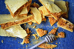 Honeycomb/sponge toffee