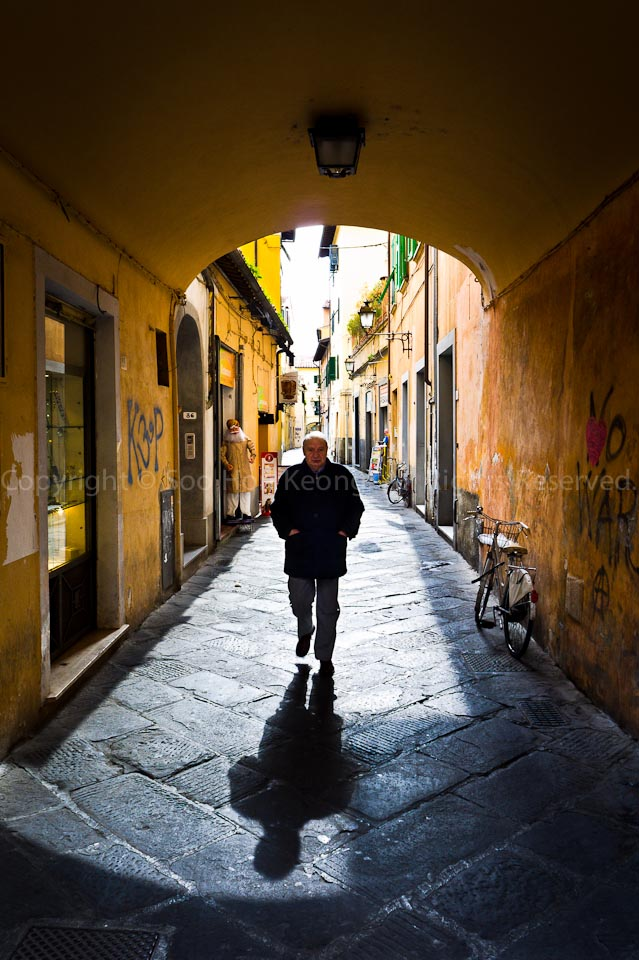 Alley @ Pisa, Italy