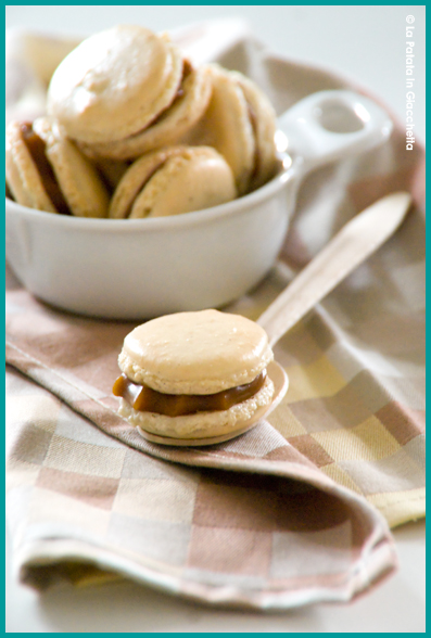 Macaron-vaniglia-e-caramello-salato