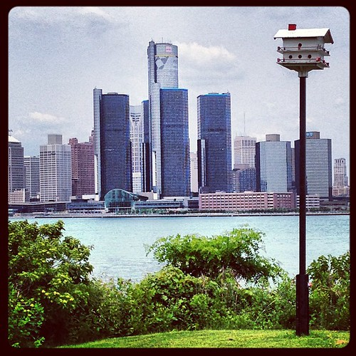 Windsor birdhouse against the Detroit skyline