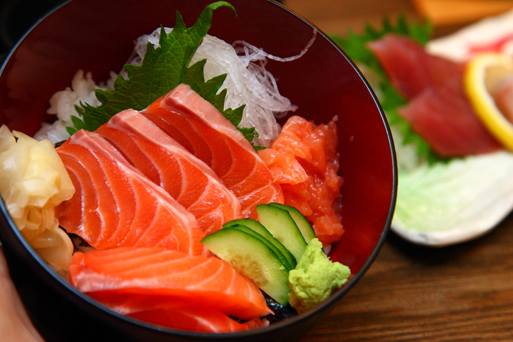 Salmon-Sashimi-Don