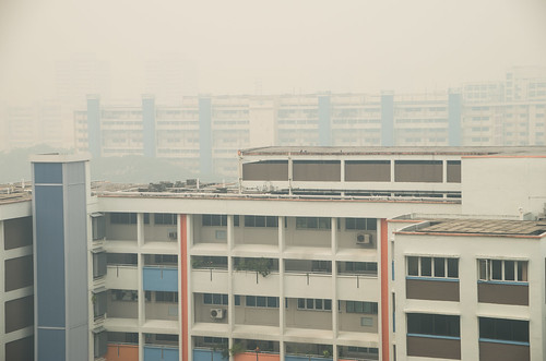 The haze pollution index reached an all time high of PSI 400 in Singapore today, shrouding the country in a cloud of smog and a burning stench