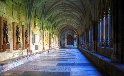 Cloister, Westminster Abbey (by: Patrick McKay, creative commons)