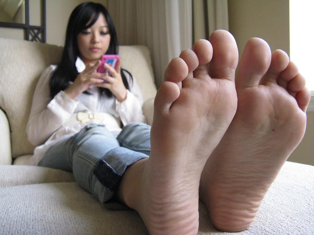 Female asiian foot fetish geil